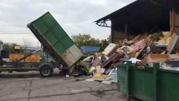 Najčastejším typom prepravy a likvidácie odpadu je pomocou…